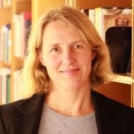 Claudia Schmucker